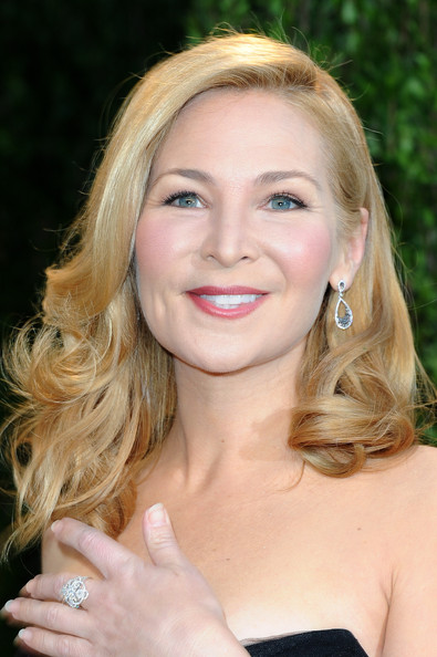 Jennifer Westfeldt Medium Curls