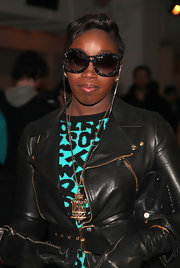 British singer Estelle donned a funky pair of chain link sunglasses. Wonder if she borrowed them from fellow Brit Elton John?