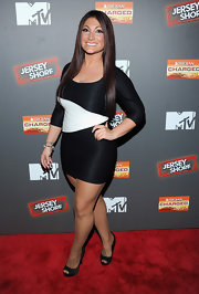 Deena Nicole Cortese walked the red carpet of the 'Jersey Shore' Final Season Premiere in a mini bandage dress.