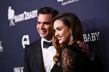 Jessica Alba Cash Warren Paul Mitchell Presents the 2017 Baby2Baby Gala - Red Carpet