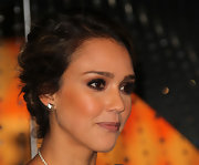 Jessica Alba wore her wavy locks in a romantic bobby pinned updo at the Rodeo Drive Holiday Lighting Ceremony.