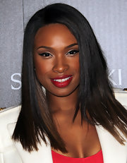 Jennifer Hudson wore a sexy red lipstick with loads of rich pigment at the Rodeo Drive Holiday Lighting Ceremony.