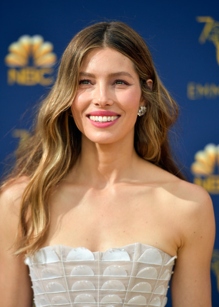 Jessica Biel Long Wavy Cut [hair,hairstyle,blond,beauty,long hair,lady,brown hair,smile,lip,dress,arrivals,jessica biel,emmy awards,70th emmy awards,microsoft theater,los angeles,california]
