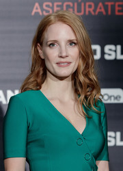 Jessica Chastain styled her hair with piecey waves for the 'Miss Sloane' photocall in Madrid.