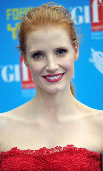 Jessica Chastain Pink Lipstick [hair,face,hairstyle,eyebrow,lip,beauty,skin,chin,smile,blond,giffoni film festival blue carpet,jessica chastain,giffoni valle piana,italy,giffoni film festival]