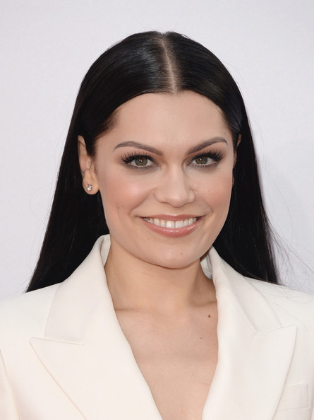 Jessie J Long Center Part [hair,face,eyebrow,hairstyle,lip,chin,skin,beauty,forehead,eye,arrivals,jessie j,american music awards,nokia theatre l.a. live,los angeles,california]
