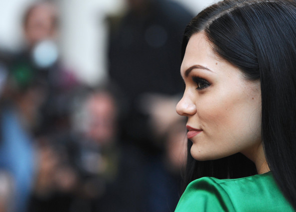 Jessie J Hairstyle: More Pics Of Jessie J Long Straight Cut (1 Of 10)