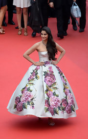 Sonam Kapoor chose a strapless gown with a lovely full ballroom skirt with bold floral patterns for her red carpet look at the Cannes Film Festival.
