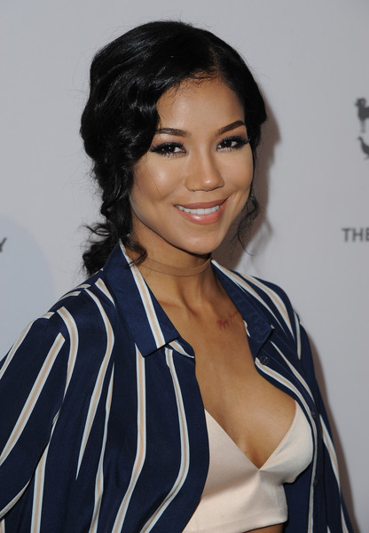 Jhene Aiko Loose Ponytail [hair,face,hairstyle,black hair,eyebrow,beauty,lip,long hair,eyelash,electric blue,jhene aiko,california,hollywood,humane society of the united states,red carpet,paramount studios,to the rescue gala]