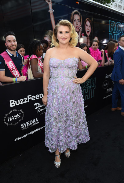Jillian Bell Evening Pumps [dress,clothing,shoulder,premiere,fashion,beauty,purple,pink,event,hairstyle,jillian bell,new york,amc lincoln square theater,sony,svedka vodka,premiere,rough night presented]