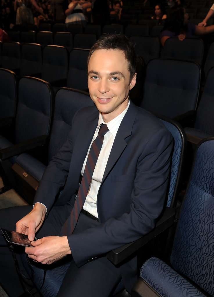 Jim Parsons Striped Tie Jim Parsons Looks Stylebistro