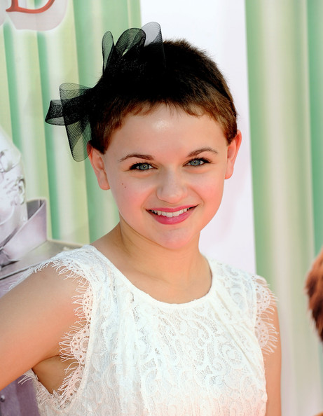 Joey King Pixie [the wizard of oz,hair,face,hairstyle,facial expression,skin,lady,eyebrow,beauty,chin,forehead,tcl chinese theatre imax,actress,joey king,3d,los angeles,warner bros. home entertainment,premiere,the grand opening,premiere]