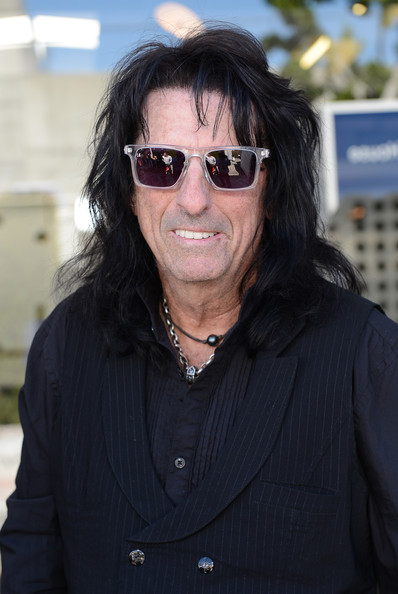 More Pics of Alice Cooper Wayfarer Sunglasses (3 of 3) - Alice Cooper Lookbook - StyleBistro