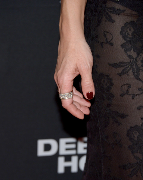 Kate Hudson rocked a sparkling diamond ring at the premiere of 'Deepwater Horizon.'