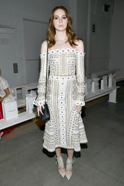 Karen Gillan completed her perfectly coordinated ensemble with nude lace-up pumps by Jonathan Simkhai x Manolo Blahnik.