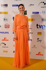 Maria Valverde's orange chiffon evening dress at the Jose Maria Forque Awards had a sweet vintage feel.
