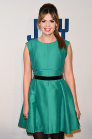 Carly Steel attended the New York premiere of 'Joy' sporting a cute green skater dress.