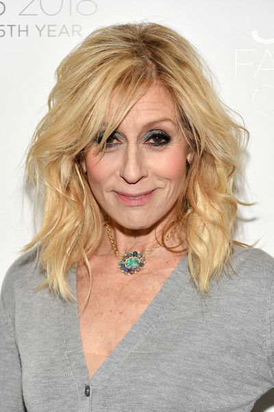 Judith Light Medium Wavy Cut with Bangs