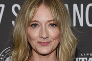 Judy Greer Medium Wavy Cut