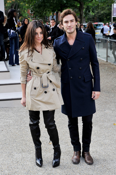 Julia Restoin-Roitfeld Trenchcoat [clothing,trench coat,street fashion,coat,fashion,overcoat,outerwear,snapshot,footwear,knee,robert konjic,julia restoin-roitfeld,england,london,burberry prorsum,burberry prorsum spring,l,chelsea college of art and design,lfw spring,fashion show]
