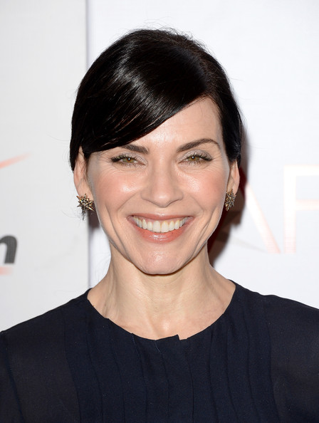 Julianna Margulies Ponytail Ponytail Lookbook Stylebistro