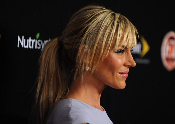 http://www4.pictures.stylebistro.com/gi/Julie+Benz+Long+Hairstyles+Ponytail+llfp-XdkIBil.jpg