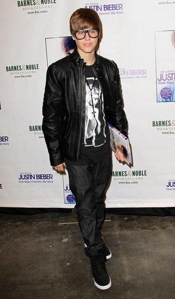 justin bieber leather. Justin Bieber Clothes