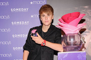 Justin Bieber Smashes Perfume Sales Records