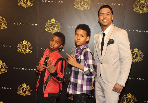 More Pics of Quincy Jones Brown Classic Solid Tie (1 of 8) - Quincy Jones Brown Lookbook - StyleBistro [justin dior comb,christian combs,justin dior combs,quincy jones brown,niko brim,event,award ceremony,formal wear,award,ceremony,suit,birthday party,birthday party,new york city,m2 ultra lounge]
