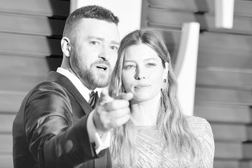 Justin Timberlake Jessica Biel An Alternative Look At The 2016 Vanity Fair Oscar Party Hosted By Graydon Carter