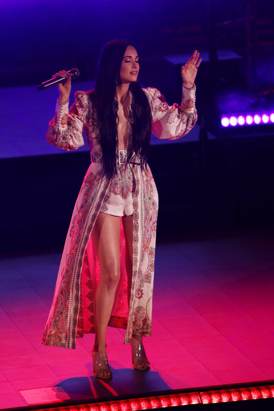 Kacey Musgraves Strappy Sandals [kacey musgraves,performance,entertainment,performing arts,event,public event,fashion,performance art,music artist,stage,fashion show,red rocks amphitheatre,morrison,colorado]