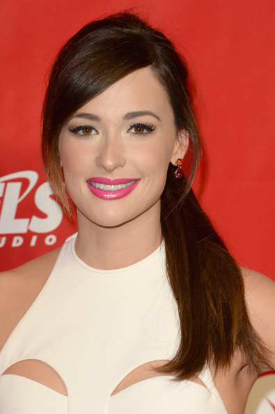 Kacey Musgraves Ponytail [musicares person of the year gala,hair,face,lip,hairstyle,eyebrow,beauty,skin,chin,long hair,brown hair,arrivals,carole king,kacey musgraves,los angeles convention center,california]