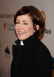 Patricia Heaton chose a dark nude-colored lip gloss for her red carpet look at the Kaleidoscope Ball.