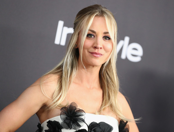 Kaley Cuoco Half Up Half Down [hair,hairstyle,beauty,blond,long hair,brown hair,layered hair,smile,photography,dress,kaley cuoco,beverly hills,california,the beverly hilton hotel,instyle,golden globes,warner bros.,arrivals,party]