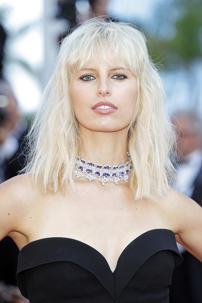 Karolina Kurkova Medium Wavy Cut with Bangs