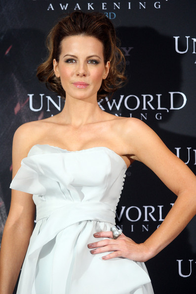 Kate Beckinsale Pearl Ring
