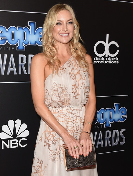 Kate Hudson Wide Band Ring [clothing,dress,shoulder,premiere,hairstyle,fashion,long hair,joint,cocktail dress,carpet,arrivals,kate hudson,people magazine awards,the beverly hilton hotel,beverly hills,california]