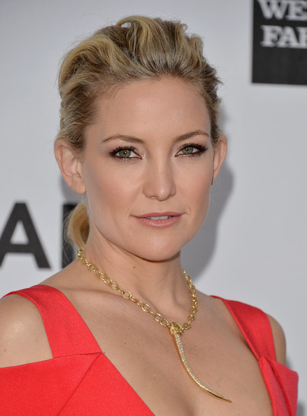 Kate Hudson Metallic Eyeshadow