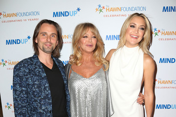 "Kate Hudson Matt Bellamy Goldie Hawn's Inaugural ""Love In For Kids"" Benefiting The Hawn Foundation's MindUp Program - Arrivals"