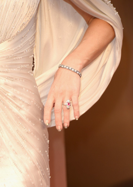 Kate Hudson French Manicure