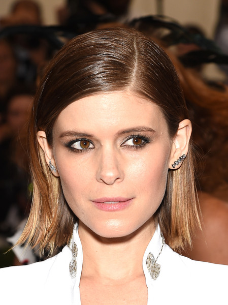 Kate Mara Side Parted Straight Cut [through the looking glass,hair,eyebrow,face,hairstyle,lip,beauty,chin,eyelash,nose,brown hair,arrivals,kate mara,china,new york city,metropolitan museum of art,costume institute benefit gala]