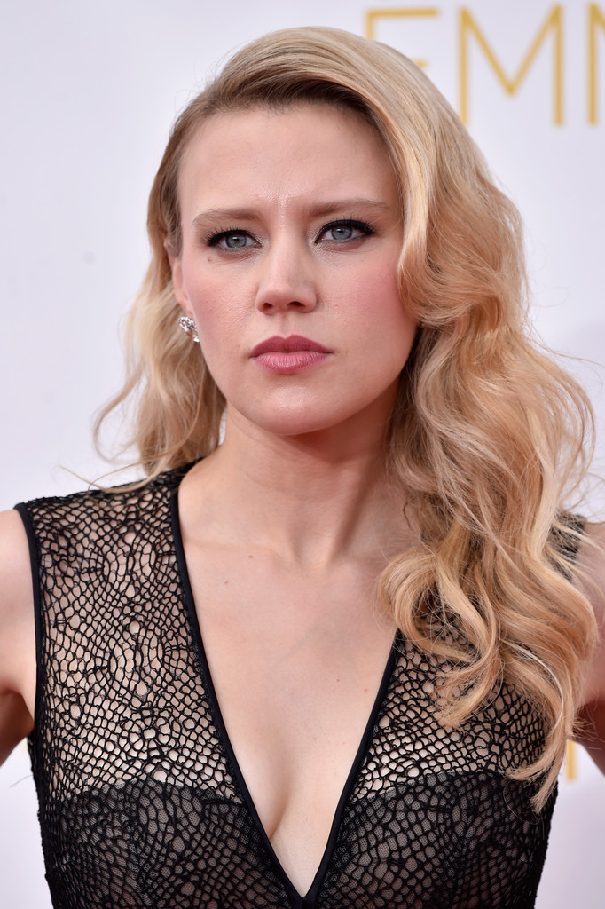 Kate Mckinnon Long Wavy Cut Kate Mckinnon Looks