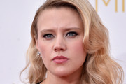 Kate McKinnon Long Wavy Cut