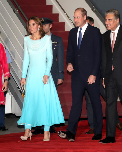 Kate Middleton Pumps [red carpet,suit,formal wear,carpet,event,flooring,premiere,fashion,dress,tuxedo,day one,prince william,duke,diana,duchess,fashion,duchess of cambridge,cambridge,islamabad,pakistan,catherine duchess of cambridge,wedding of prince william and catherine middleton,diana princess of wales,dress,evening gown,clothing,trousers,gown,fashion,cocktail dress]