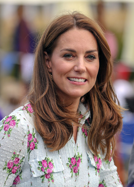 Kate Middleton Layered Cut [back to nature,hair,face,hairstyle,lady,beauty,blond,brown hair,chin,long hair,pink,duchess of cambridge,catherine,duchess,attends,cambridge,england,woking,rhs garden wisley,festival]