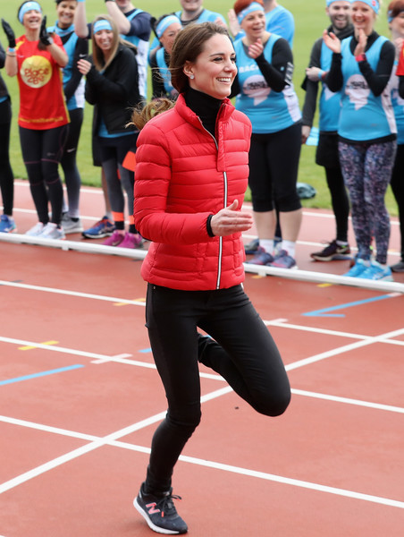 Kate Middleton Puffa Jacket [red,woman,sports,athletics,footwear,running,race,athlete,girl,youth,prince,harry,duke,team heads together,duchess,cambridge,queen elizabeth olympic park,london,the duke duchess of cambridge,harry join team heads together at a london marathon training day]