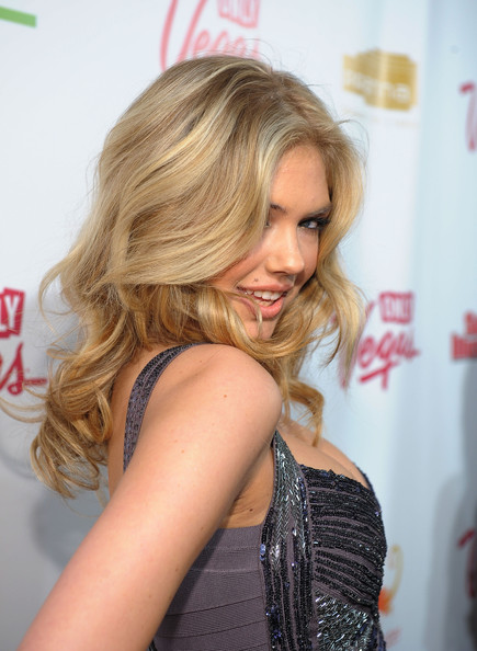 Medium Wavy Cut, Long Hairstyle 2011, Hairstyle 2011, New Long Hairstyle 2011, Celebrity Long Hairstyles 2108
