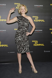 Katherine Heigl wore this single-shoulder zebra print dress to her photocall in Berlin.