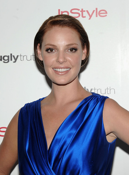 Katherine Heigl Bob [the ugly truth,hair,shoulder,face,cobalt blue,hairstyle,electric blue,beauty,cocktail dress,dress,neck,ariel foxman,star,katherine heigl,truth,covergirl,instyle hosts,instyle,advance screening,screening]