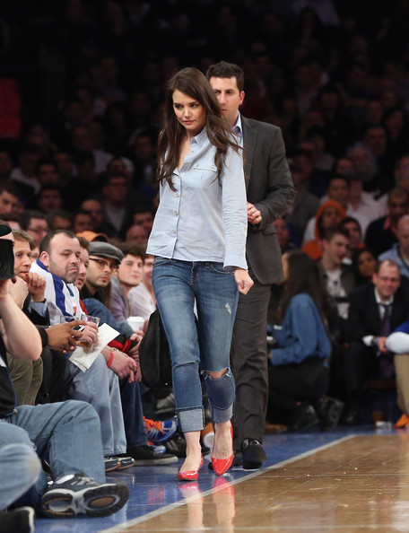 Katie Holmes Ripped Jeans [fashion,fashion show,runway,fashion model,event,jeans,footwear,public event,audience,performance,katie holmes,user,user,note,terms,conditions,new york city,golden state warriors,new york knicks,game]